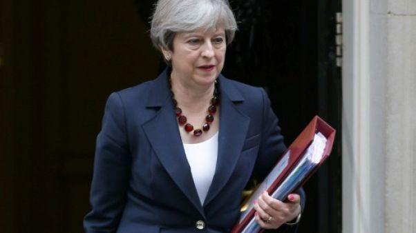 Grande-Bretagne: le gouvernement May passe son premier test au parlement