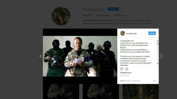 Policier et acteur: l'homme à l'hélicoptère qui interpelle le Venezuela