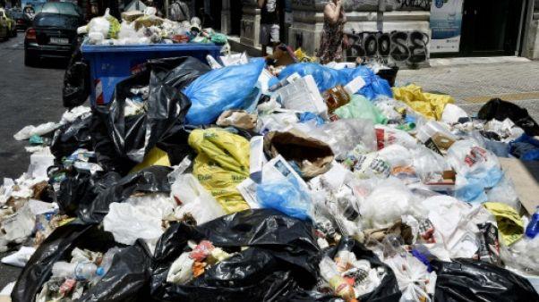 Grèce: les ordures s'amoncellent après une nouvelle grève des éboueurs