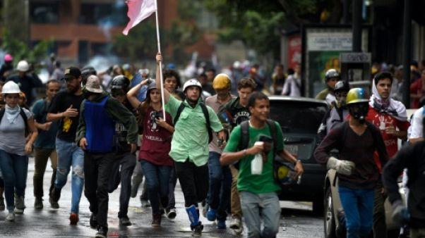 Venezuela: le pilote accusé de tentative de coup d'Etat introuvable