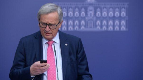 """""""Je n'ai toujours pas de smartphone"""", avoue Juncker"""