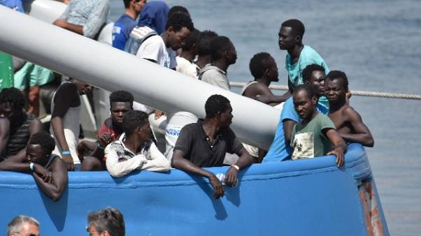 Migranti:Minniti a Parigi, vertice a tre