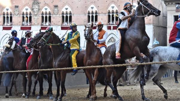 Palio Siena: Aquila vince prova generale