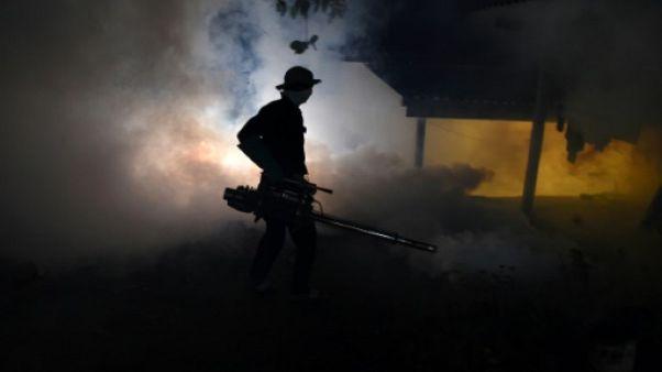 Face à la poussée de dengue, le Sri Lanka envoie la troupe