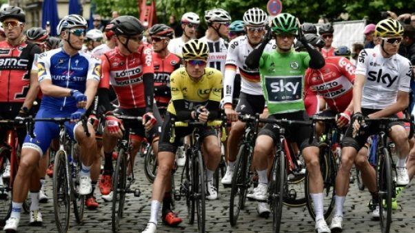 Tour de France: départ de la 2e étape vers Liège
