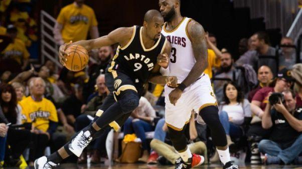NBA: Ibaka reste à Toronto