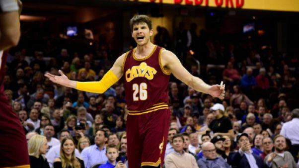 NBA: Korver reste à Cleveland