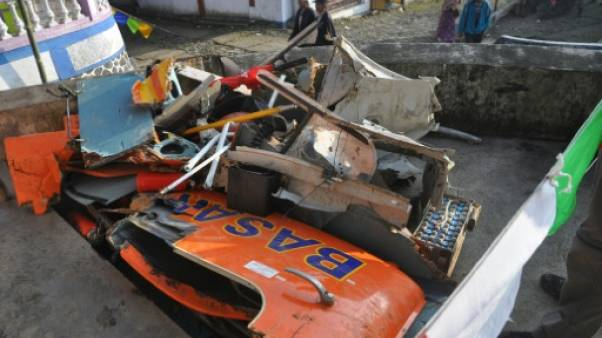 Indonésie: 8 morts dans le crash d'un hélicoptère de secours