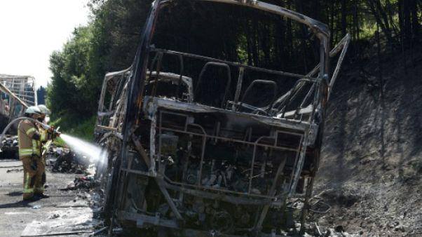 Accident de car en Allemagne : 18 morts piégés par les flammes