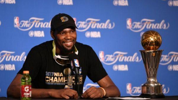 NBA: Durant rempile pour deux ans avec les Warriors