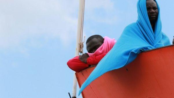 Migrants : les ONG appellent à ne pas se tromper de cible