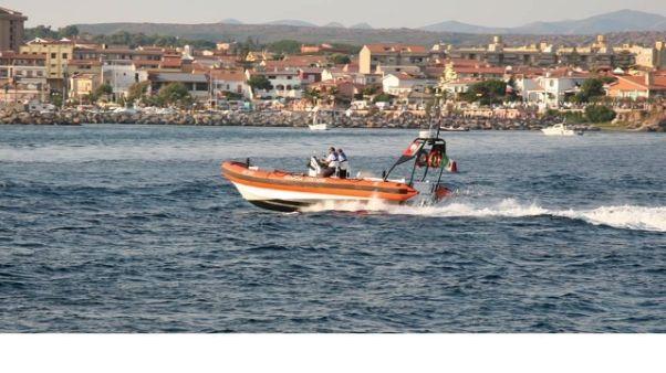 Cagliari, ultraleggero precipita in mare
