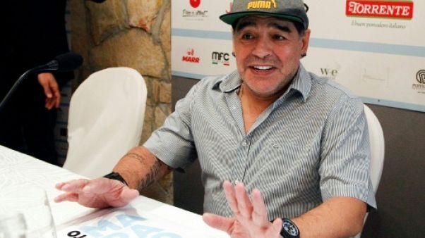 Foot: Diego Maradona devient citoyen d'honneur de Naples