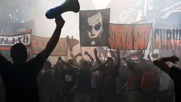 Entusiasmo Milan, 5mila tifosi al raduno