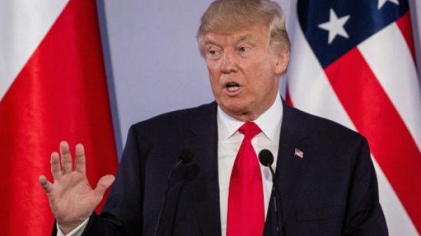 """Trump dénonce le comportement """"destabilisateur"""" de la Russie"""