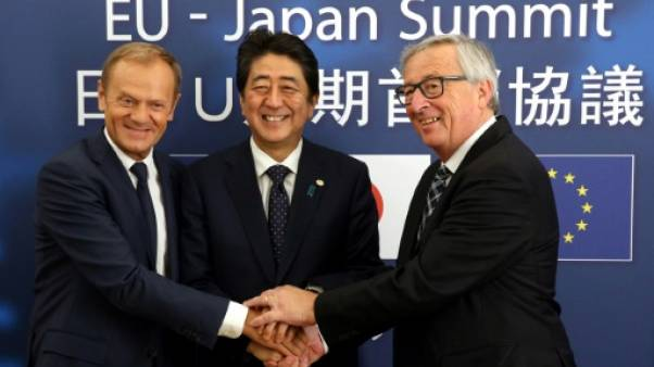 L'UE et le Japon scellent un accord commercial ambitieux en réponse à Trump