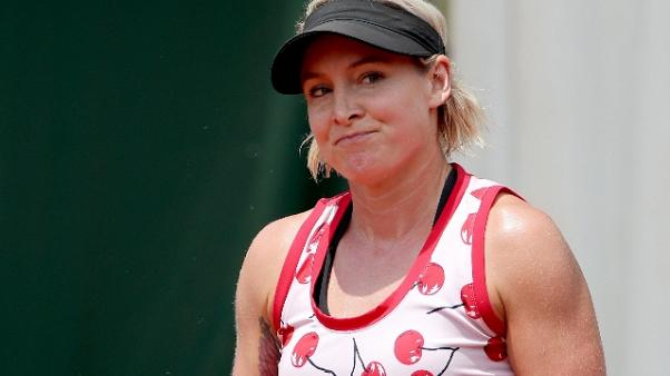 Wimbledon: Mattek-Sands, ginocchio crack