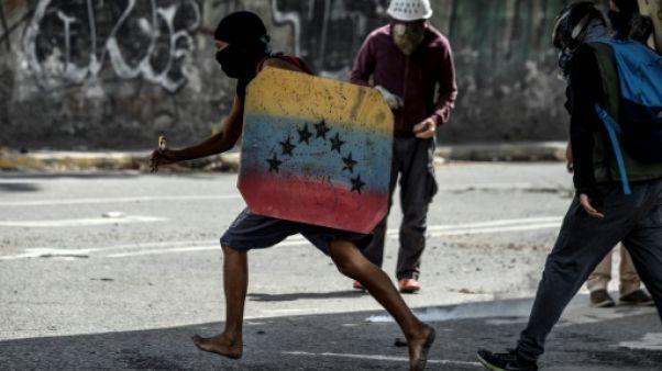 Venezuela: les manifestations continuent après l'attaque du parlement