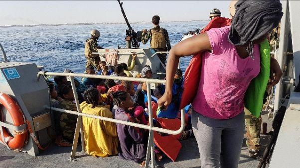 Migranti: Malan, ora blocco navale