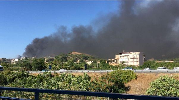 Vasto incendio vicino quartiere Reggio C