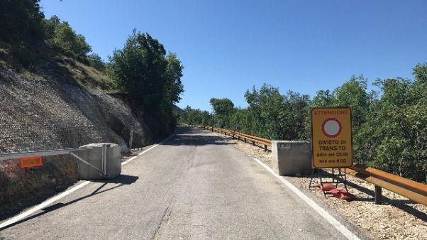 Sisma, riaperta strada per Castelluccio