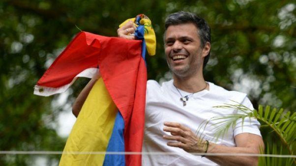 Venezuela : Leopoldo Lopez libéré de prison et assigné à résidence