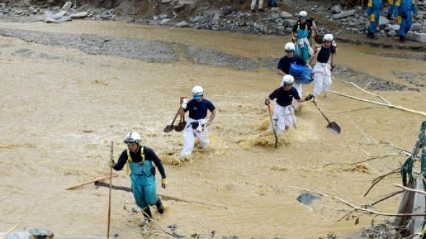 Japon: au moins 20 morts dans des inondations