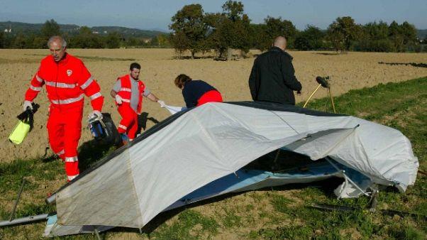 Cade deltaplano, muore pilota