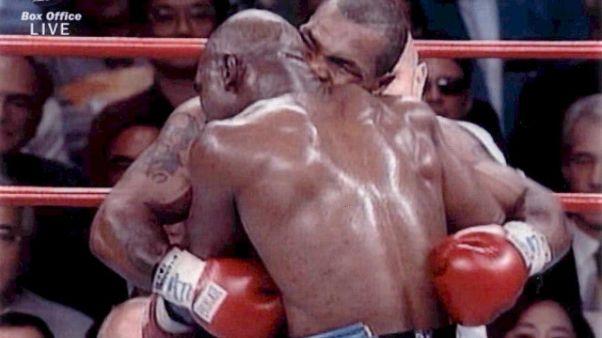 Quando Tyson staccò orecchio a Holyfield