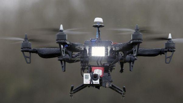 Foto con drone alle 5 Terre, denunciato