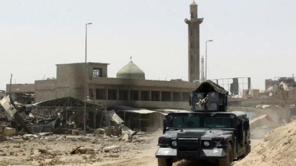 """La perte de Mossoul, un coup dur mais pas fatal pour le """"califat"""" de l'EI"""