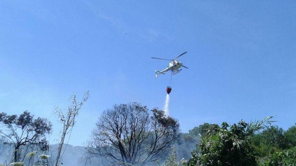 Incendi: case evacuate nel Sulcis