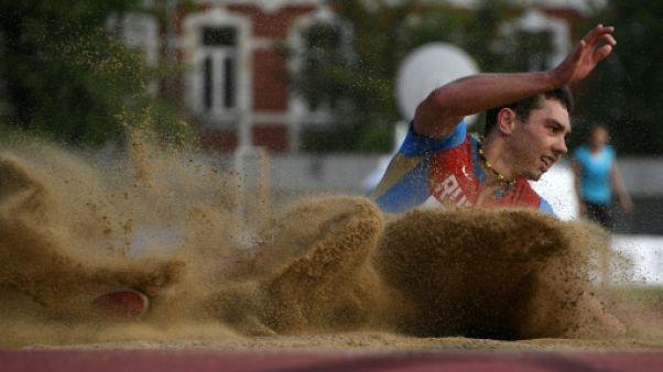 Athlétisme: 16 nouveaux Russes, dont Menkov, autorisés à concourir sous drapeau neutre
