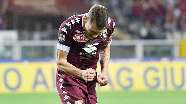 Torino si raduna, ovazione per Belotti
