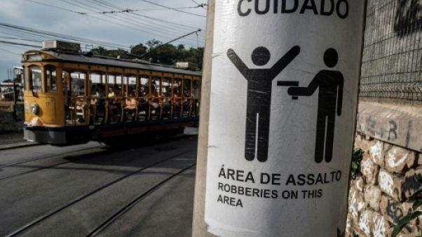 Fusillades à Rio: des enseignants formés à gérer la violence