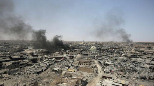 Le vieux Mossoul, un champ de ruines hanté par les derniers jihadistes