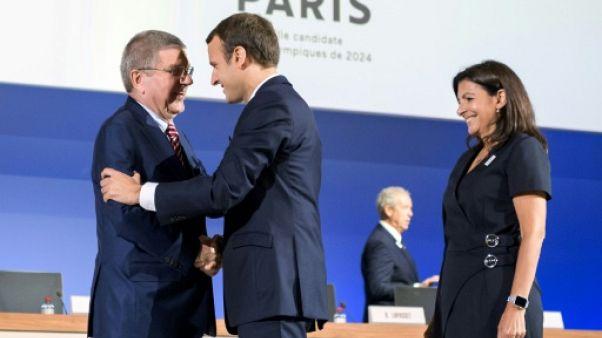 """JO-2024: """"la France est prête pour les Jeux, elle les attend"""", déclare Macron"""