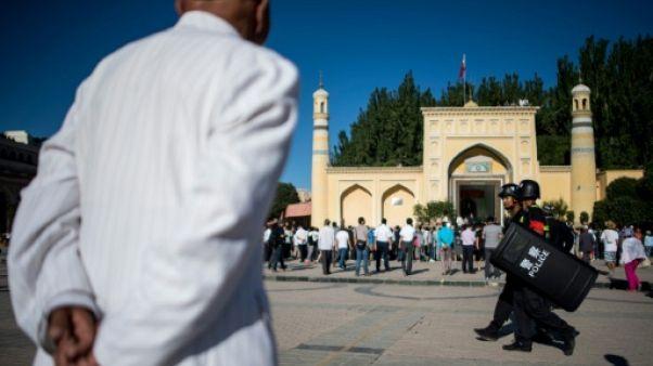 """Les musulmans dans la """"Grande muraille de fer"""" de l'Ouest chinois"""