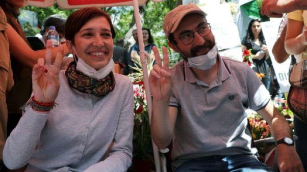 Turquie: deux enseignants en grève de la faim, symbole des purges