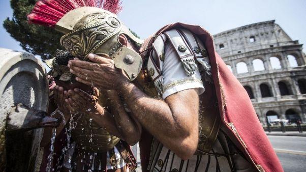 Roma: stop centurioni, via dal Colosseo