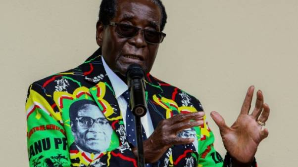 Zimbabwe: Mugabe de retour après une visite médicale à Singapour