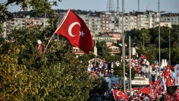 Allô président? Erdogan s'invite dans le téléphone portable des Turcs