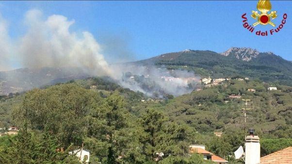 Incendi: Pisano, evacuato istituto bimbi