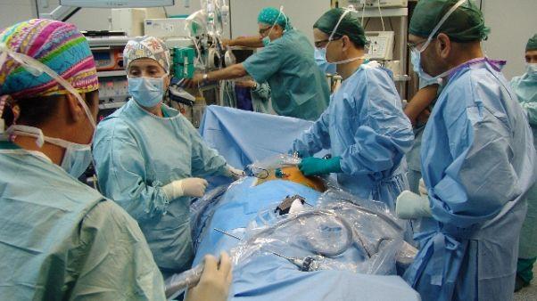 Anestesista donna, paziente non si opera