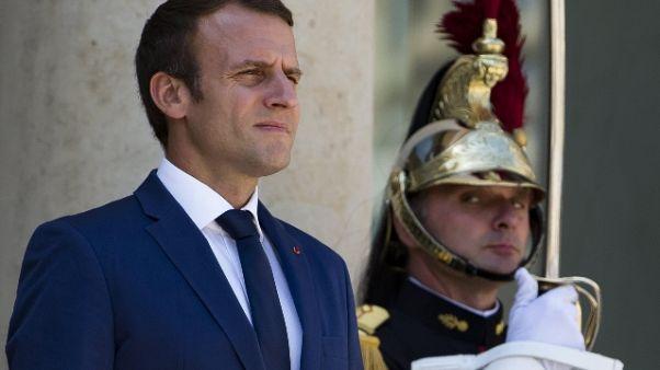 Tour: presidente Macron in ammiraglia