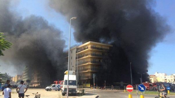 Evacuati palazzo Alghero non rientrano