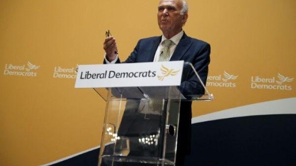 """Grande-Bretagne: Vince Cable, nouveau chef des Libéraux démocrates, veut un """"exit du Brexit"""""""
