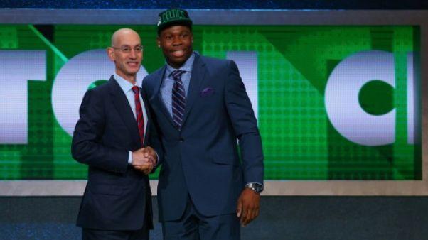 NBA: Yabusele rejoint officiellement Boston