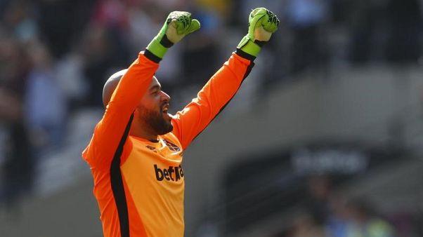 Goalkeeper Randolph leaves West Ham for Middlesbrough