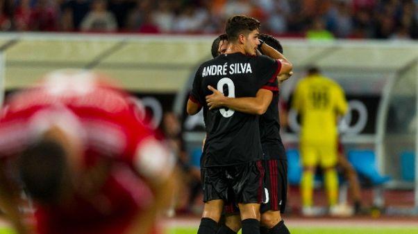 Calcio: Milan rientrato da Cina